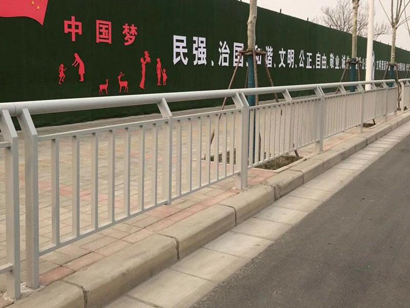郑州人行道栏杆 道路隔离必威betway体育